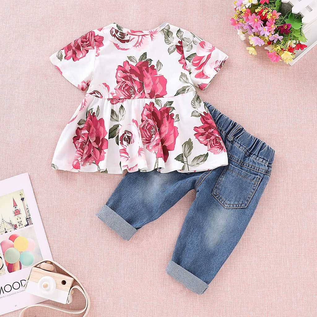 Floral & Jean outfit