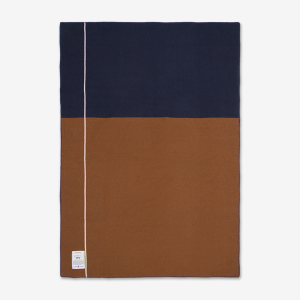 Ghost ochre road army Blanket  DETAILS   180cm x 125cm | 500gsm.  Super-soft no-scratch Australian Merino Wool.  Luxurious army weight. Reversible design.