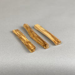 Incausa palo santo wood. Certified by the National Forest Service and Wildlife of Peru, High resin Palo Santo in natura (Bursera graveolens).