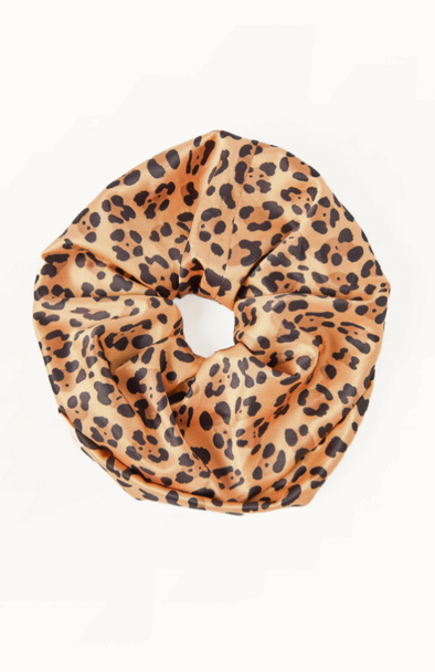 OVERSIZED LEOPARD SCRUNCHIE