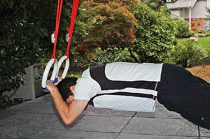 ring tricep pushup