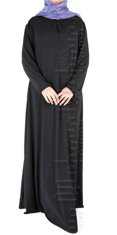 Saira pleat-neck abaya (Black)
