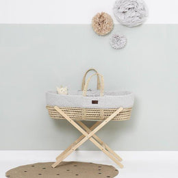 Little Green Sheep - Natural Moses Basket with Mattress in Printed Dove