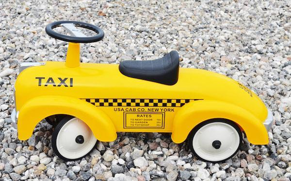 Magni Ride-On Taxi