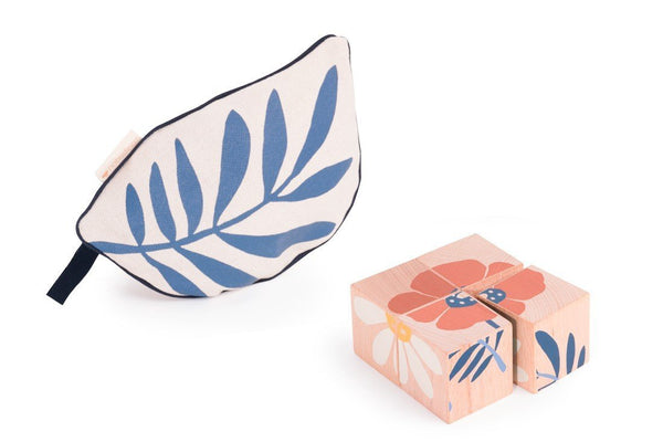 Nobodinoz Wooden Cubes Flower Puzzle
