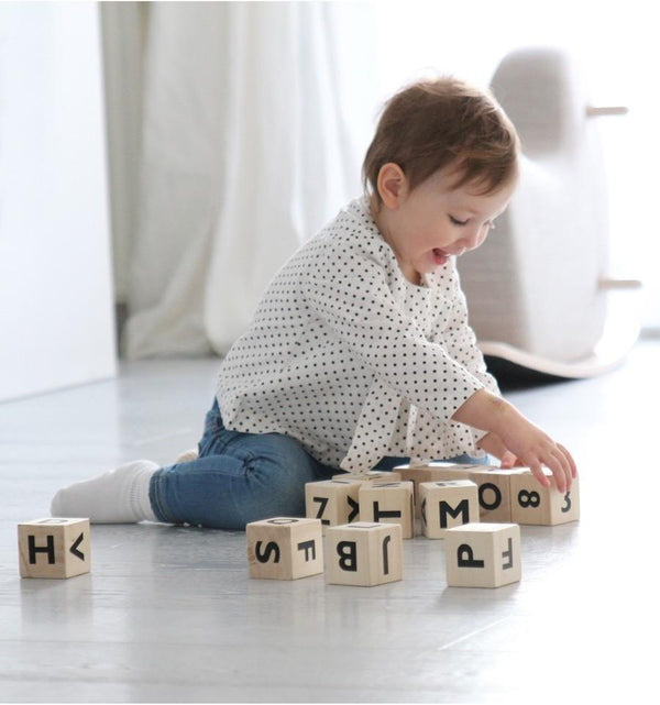 Ooh Noo Alphabet blocks - black