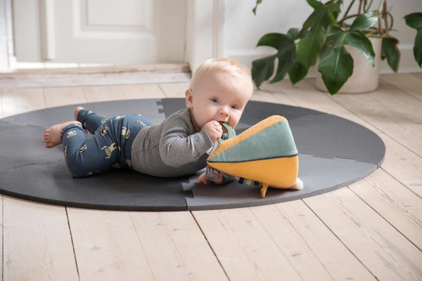 Sebra Playmat in Pigeon Grey