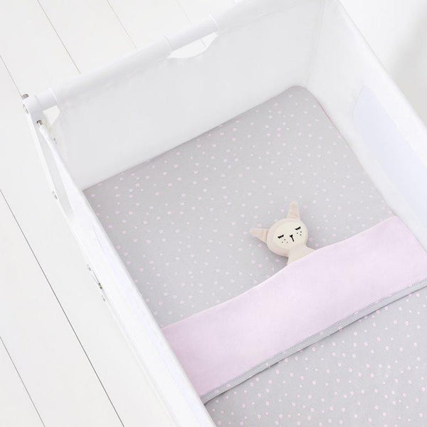 Snüz 3 Piece Crib Bedding Set in Rose Spots