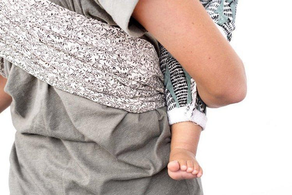 Studio Romeo Baby Carrier - Flow