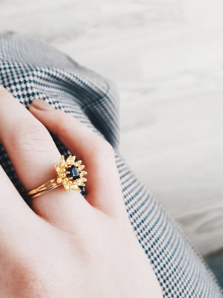 HUTCH London sunflower ring