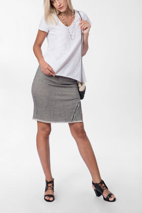 Skirt with frayed details by Twins