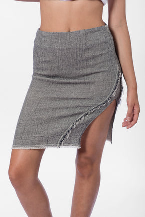 Skirt with frayed details