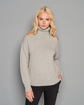 Long Sleeve knitted ripped Sweater by Glamorous