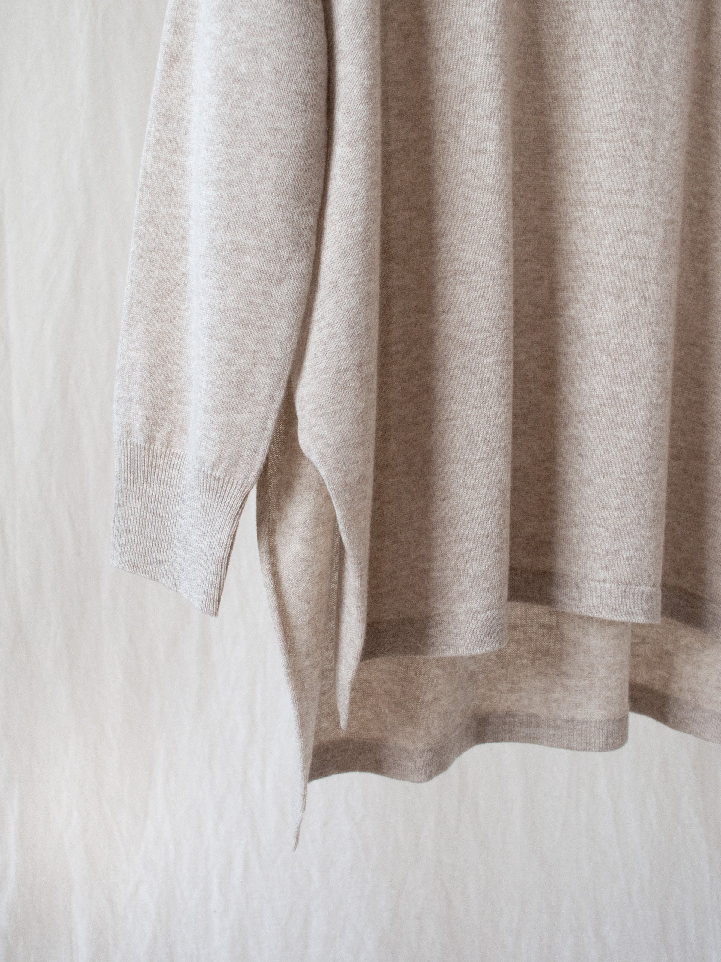 Namu Shop - Veritecoeur Relaxed Cashmere Turtleneck Sweater - Beige