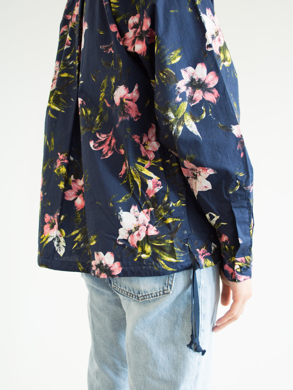Namu Shop - Niche Goteo Short Flower Shirt
