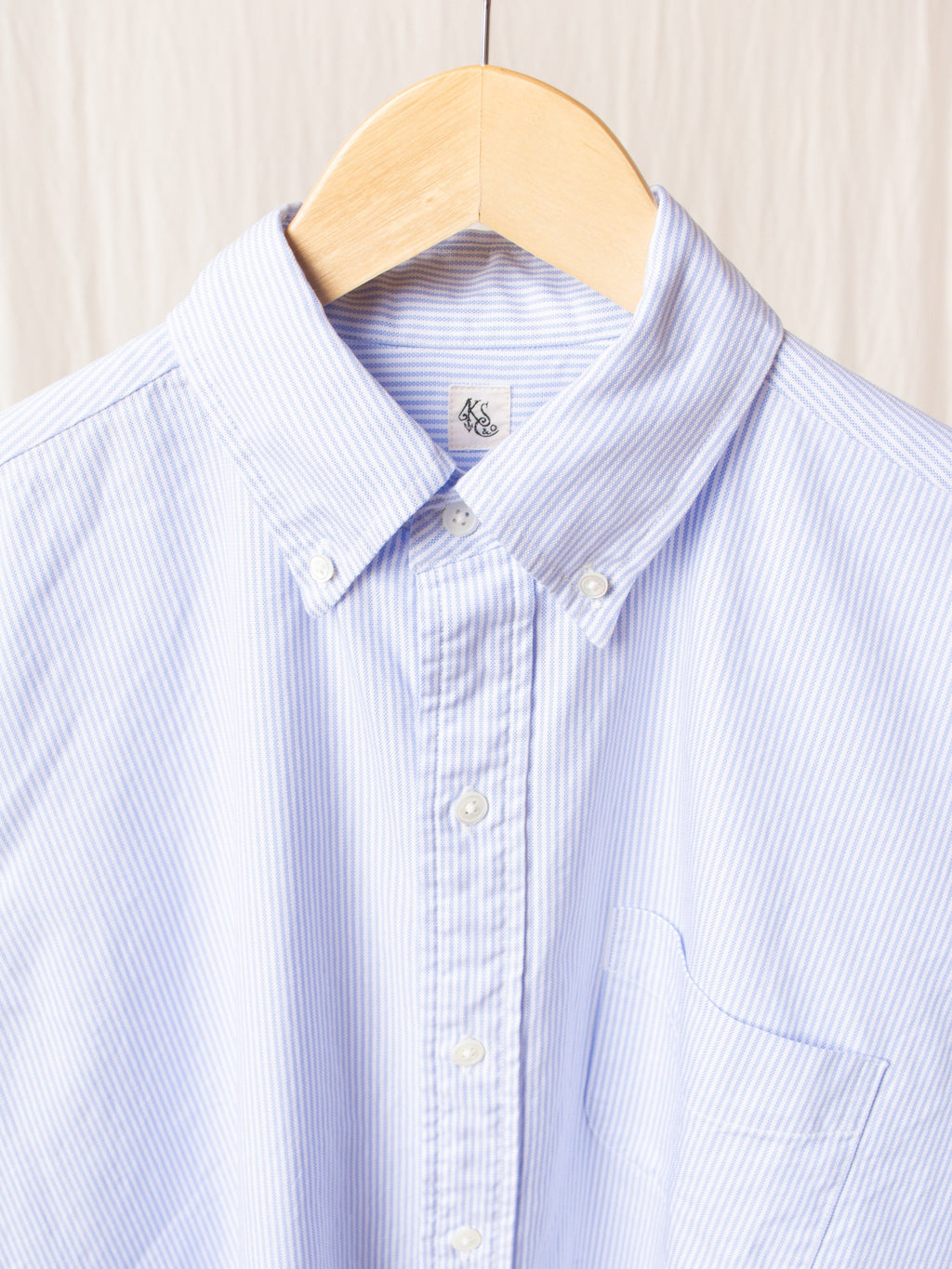 Polo Collar Finx Shuttle Oxford Shirt - Blue Candy Stripe