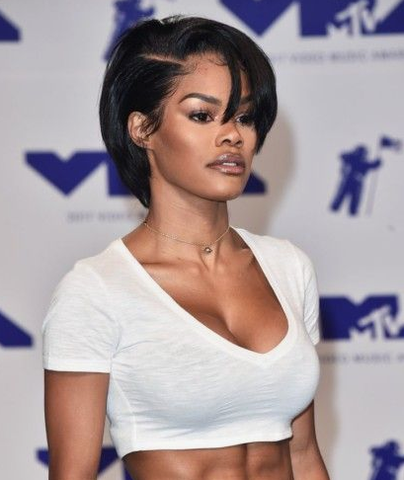 Teyana Taylor very short and sexy bob cut in dark color