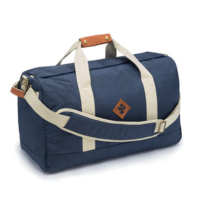 The Revelry Supply Around Towner is just the name would suggest; It is the perfect intermediate size duffle for daily business. Accessory strap handle bag travel