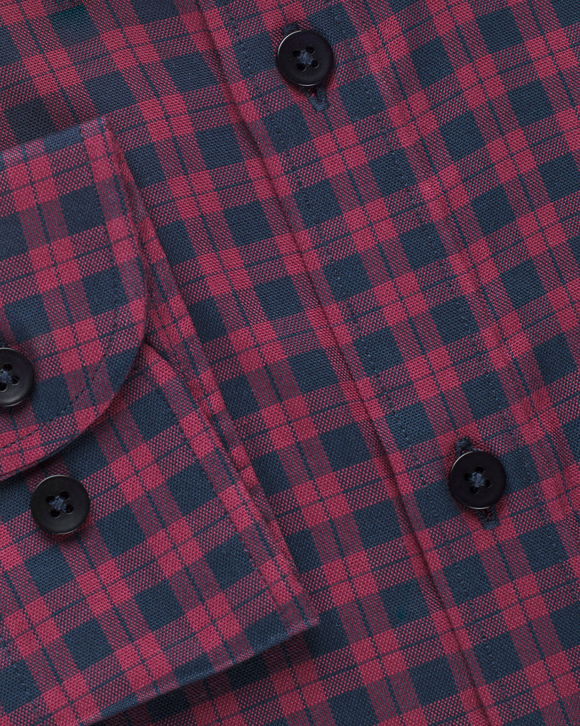 RED & NAVY PLAID BUTTON DOWN SHIRT ( 39,42 Slim Only )