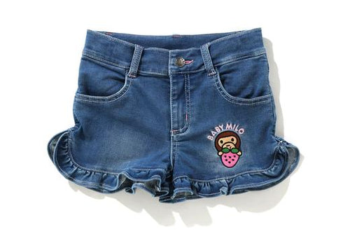 A BATHING APE BAPE KIDS STRAWBERRY MILO FRILL SHORTS