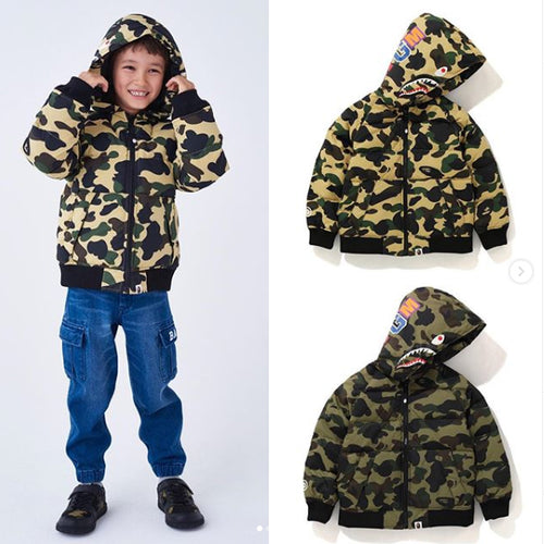 A BATHING APE KIDS 1ST CAMO SHARK HOODIE DOWN JACKET