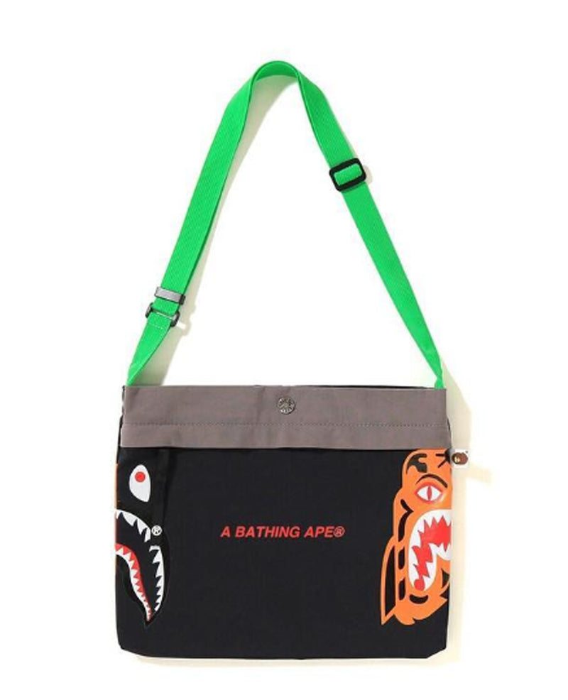 A BATHING APE TIGER SHARK SACOCHE - happyjagabee store