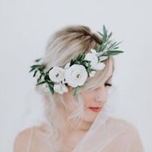 Load image into Gallery viewer, Mudgee florist Mudgee Monkey is a local based florist in the Mudgee Area. Pictured is a classic white and green flower crown