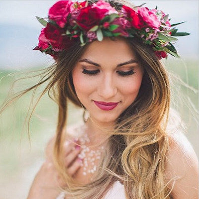 mudgee floristMudgee Monkey is a local based florist in the Mudgee Area. Pictured is berry floral flower crown local native Mudgee flowers.