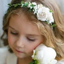 Load image into Gallery viewer, Mudgee florist Mudgee Monkey is a local based florist in the Mudgee Area. Pictured is white  flower childs 1/4 flower crown,