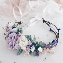 Load image into Gallery viewer, Mudgee florist Mudgee Monkey is a local based florist in the Mudgee Area. Pictured is a purple and mauve flower crown