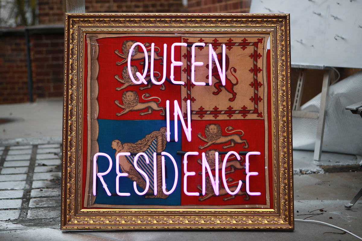 Illuminati Neon - Queen In Residence (Neon)