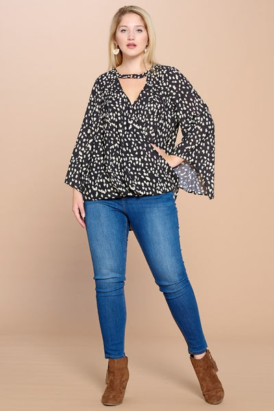 Dotted Top with Neck Collar