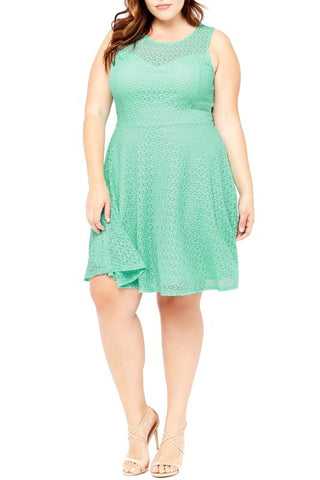Sweetheart Lace Dress in Mint