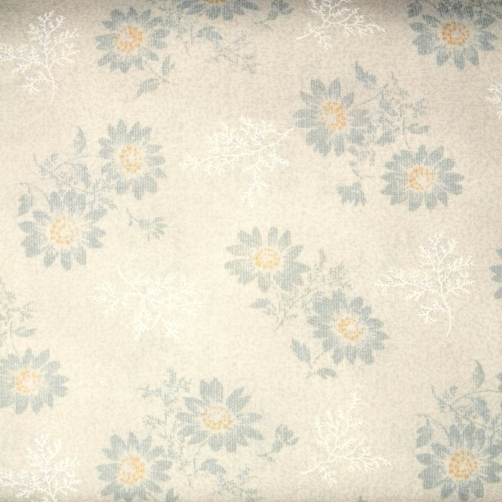 Japanese Quilting Print - Light Beige Flowers