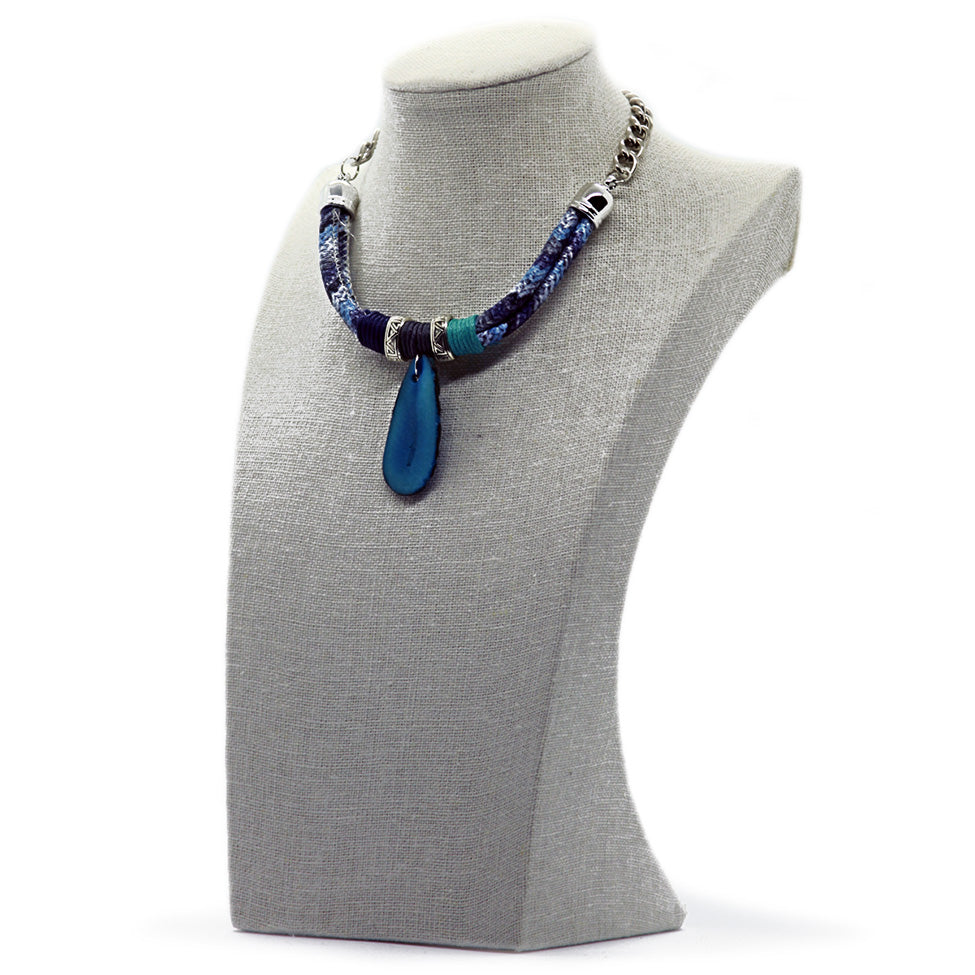 Wrapped rope necklace with Turquoise pendant, by Nando Medina