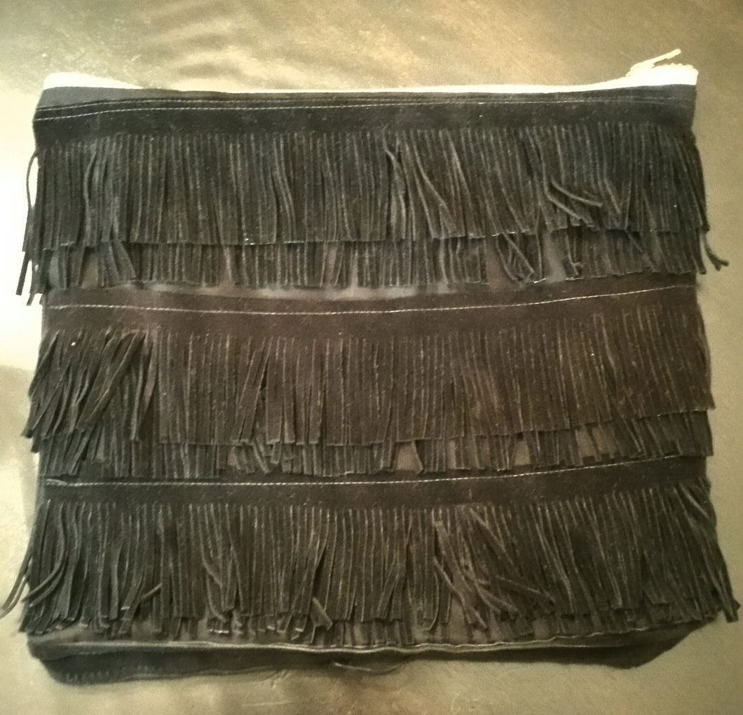 BLACK FRINGE ZIPPER POUCH