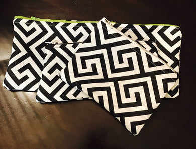 SET OF 3 BLACK AND WHITE POUCH