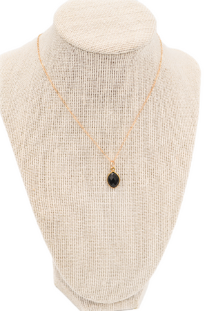 Dainty Black Onyx Pendant Necklace