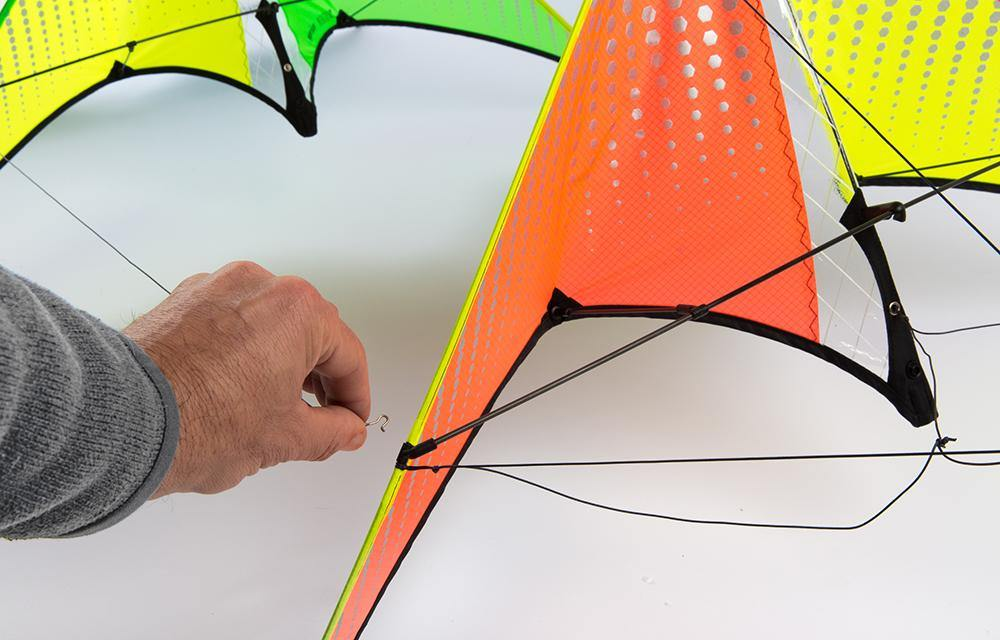 PROFESSIONAL SPORTY STUNT KITE DUAL LINE CONTROL OUTDOOR HOLIDAY LEISURE TOY