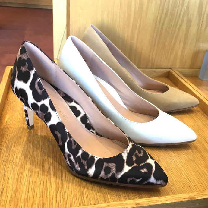 Pretty Spring Pumps