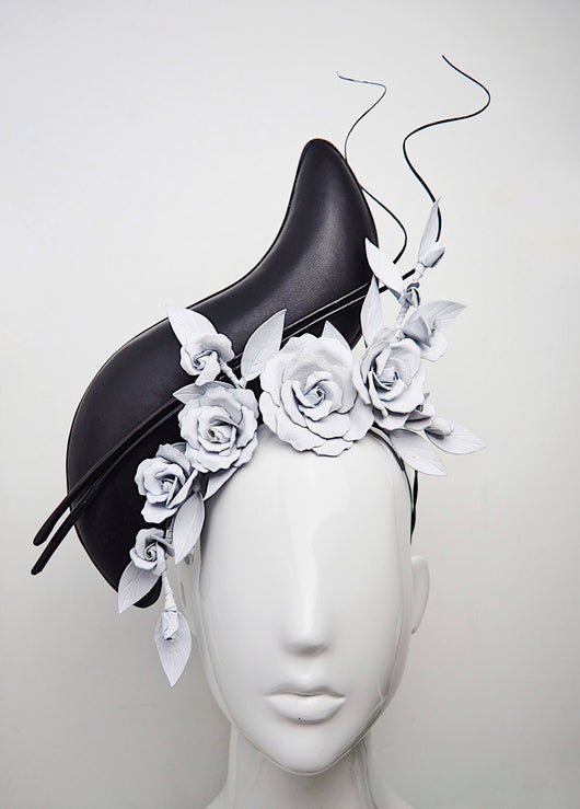 Coming Up Aces - Black leather S-Shape Side Percher  with White Roses
