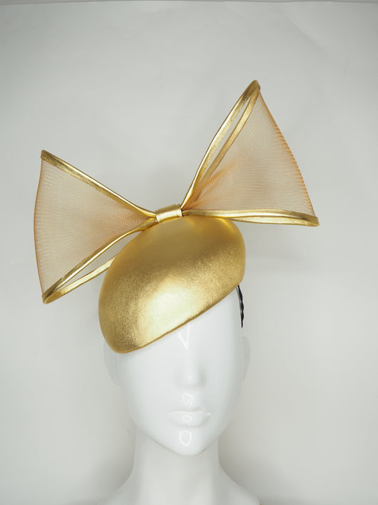 Golden hour - Gold leather beret with translucent crinoline bow