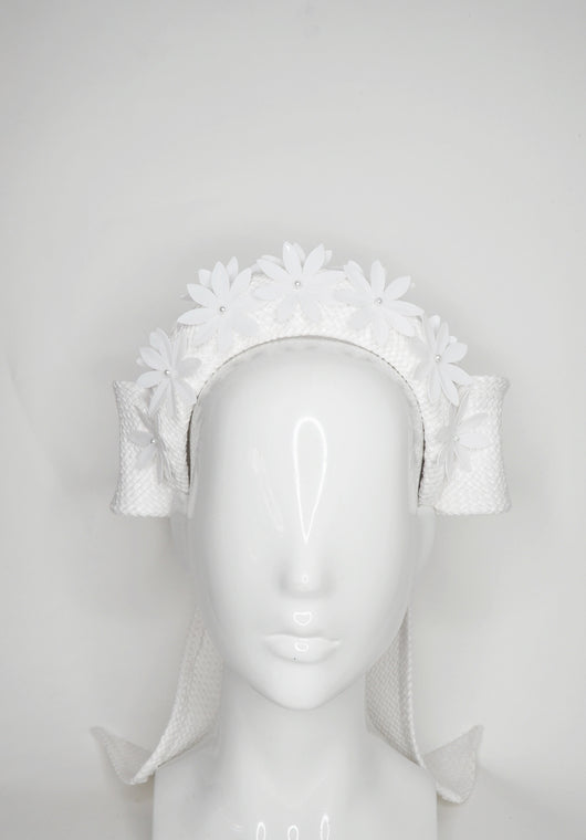 Daisy Chain - White 3d headband with rear facing bow and crystoform daisies.