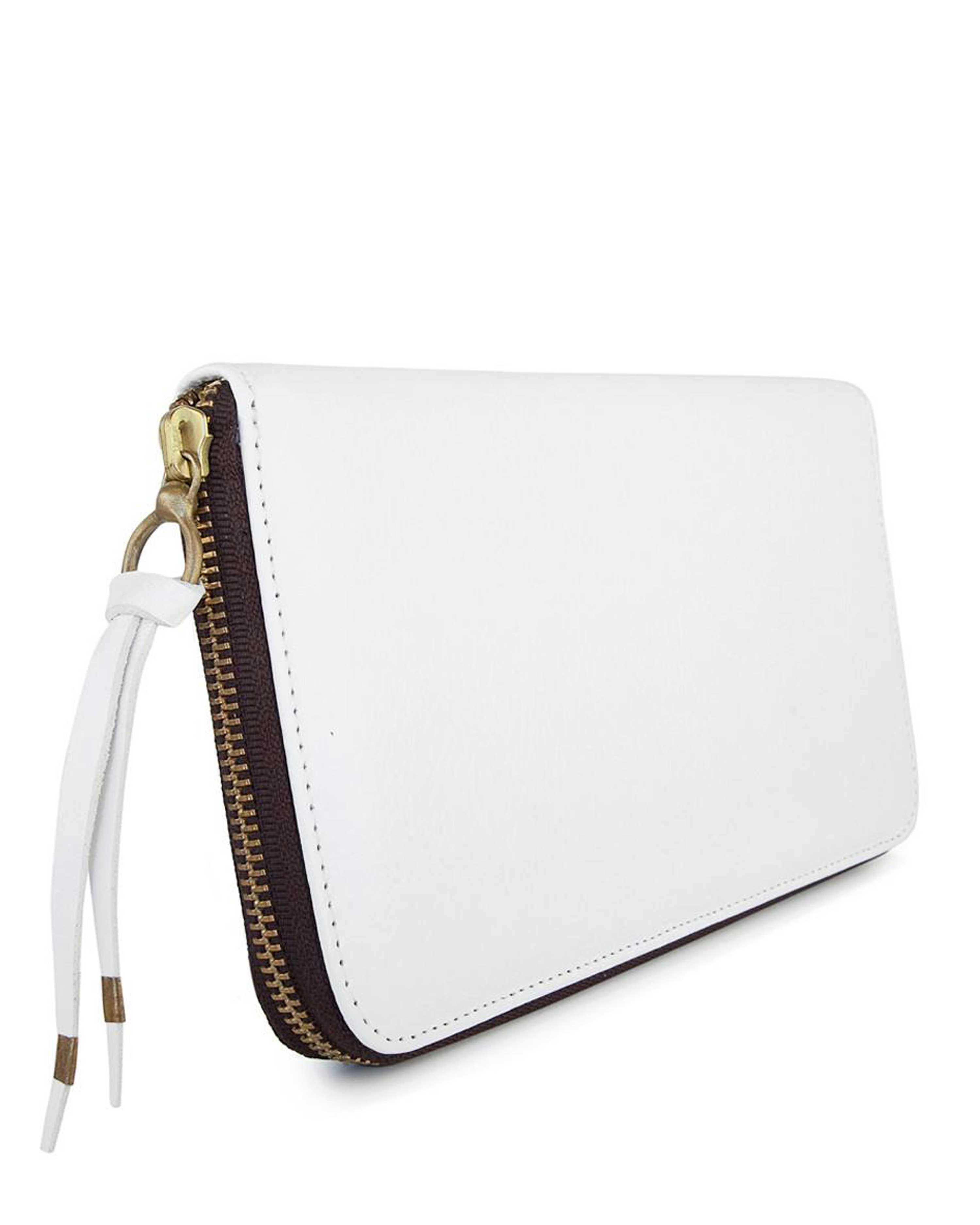PASAPORTE in White Napa Leather