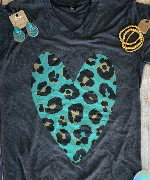 Leopard heart gray tee