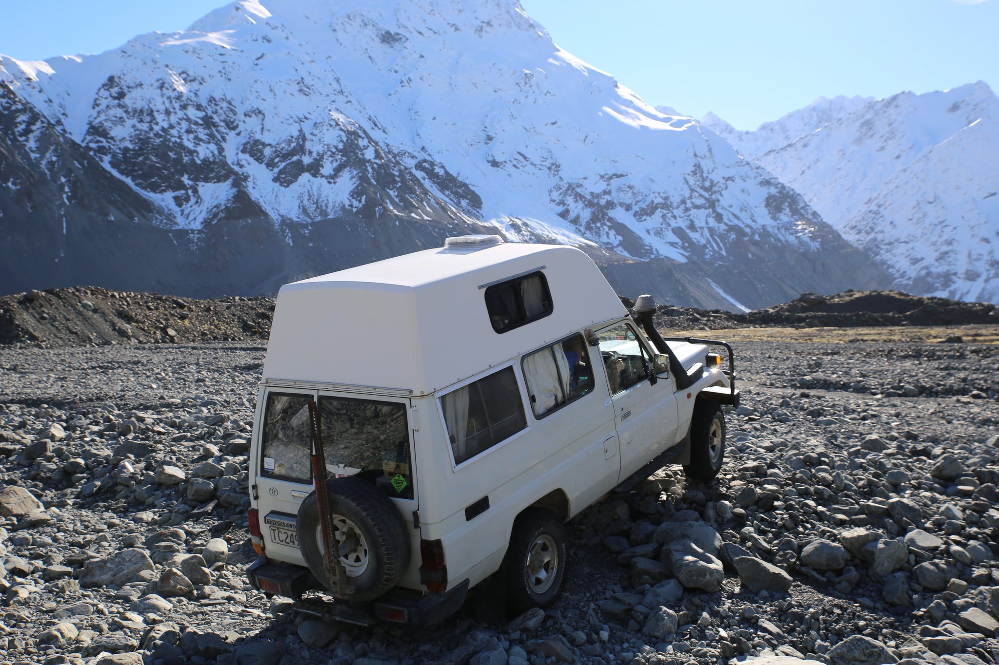 Mudstuck with Landcruiser Troopy on Godly 4wd track south island