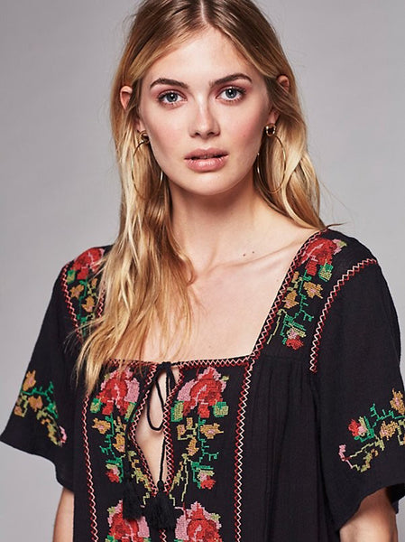Celeste - Embroidered Boho Mini Dress - Ballooo