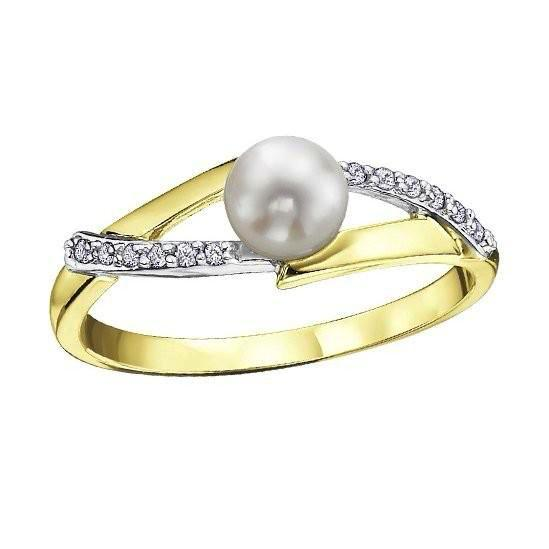 Yellow & WhiteGold Pearl and Diamond Ring