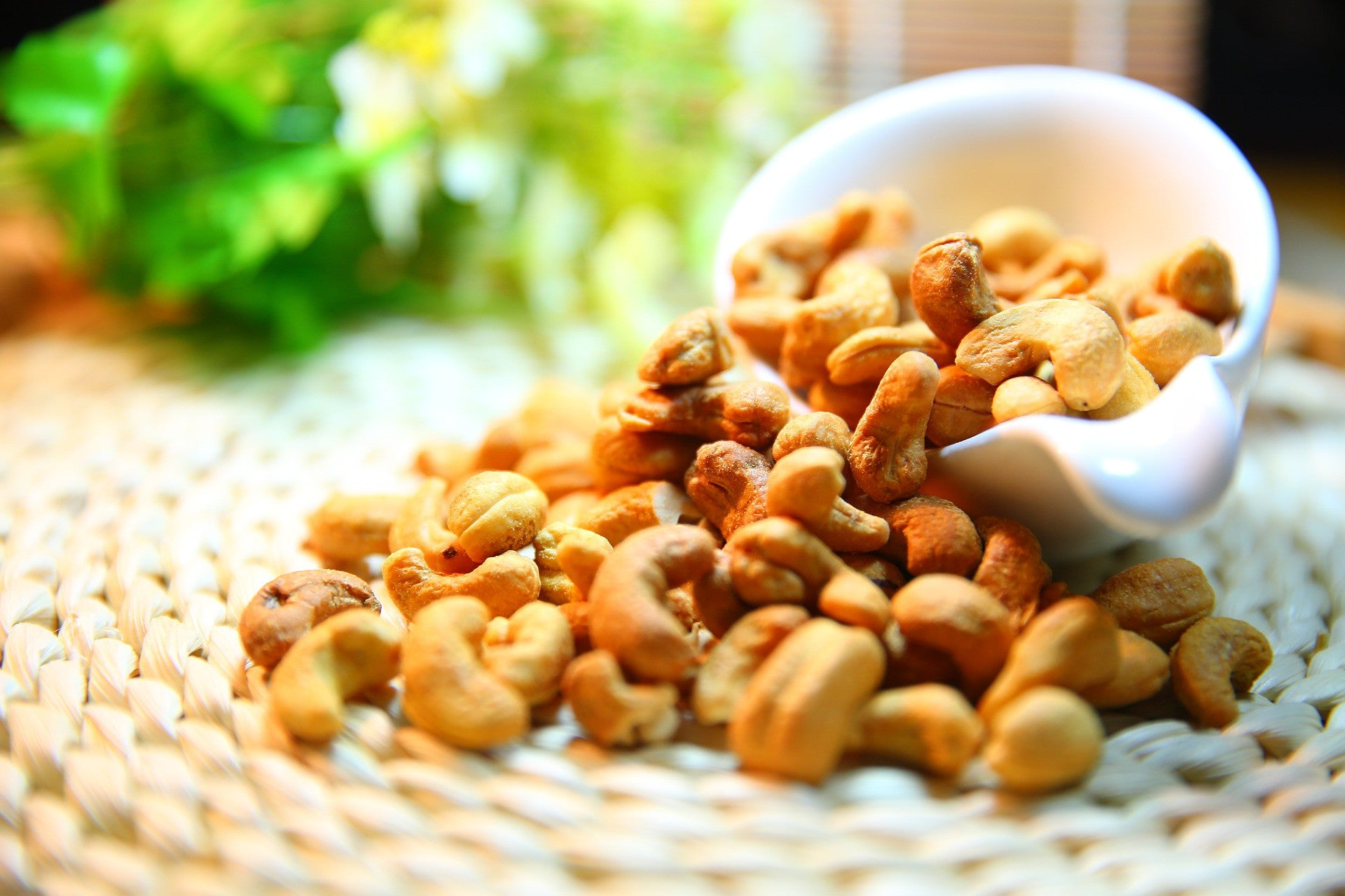 Are you sure eating nuts can help to lose weight?!