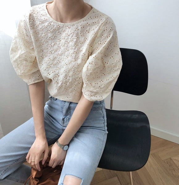 EYELET BUBBLE SLEEVE TOP